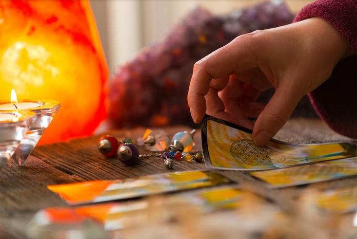 Lectura de cartas: Servicios de Tarot y Videncia Sonia