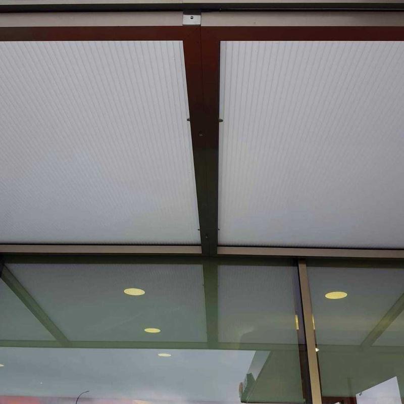 Estructura de marquesina de acero inoxidable para alojamientode vidriofabricada a medida para estación de servicios