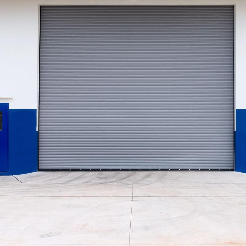 Puertas para naves industriales: Servicios de JLS Puertas automáticas y Cerrajería