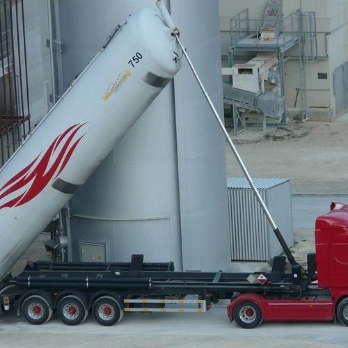 Limpieza camiones mercancías peligrosas Valencia
