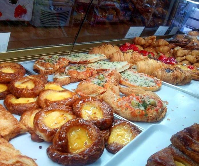 Bollería dulce y salada : Productos y servicios  de Emmy Pastelería Cafetería
