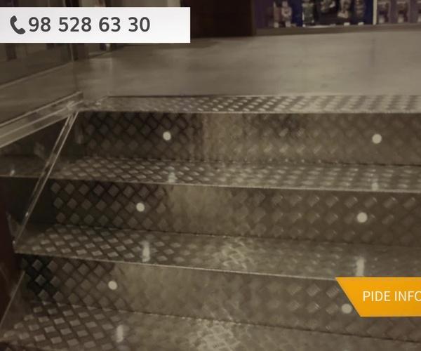 Escaleras comerciales en Oviedo