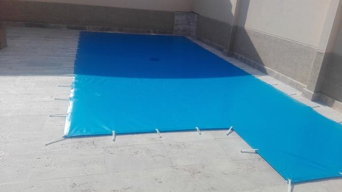 Fundas y piscinas: Servicios de Instalaciones Quijote