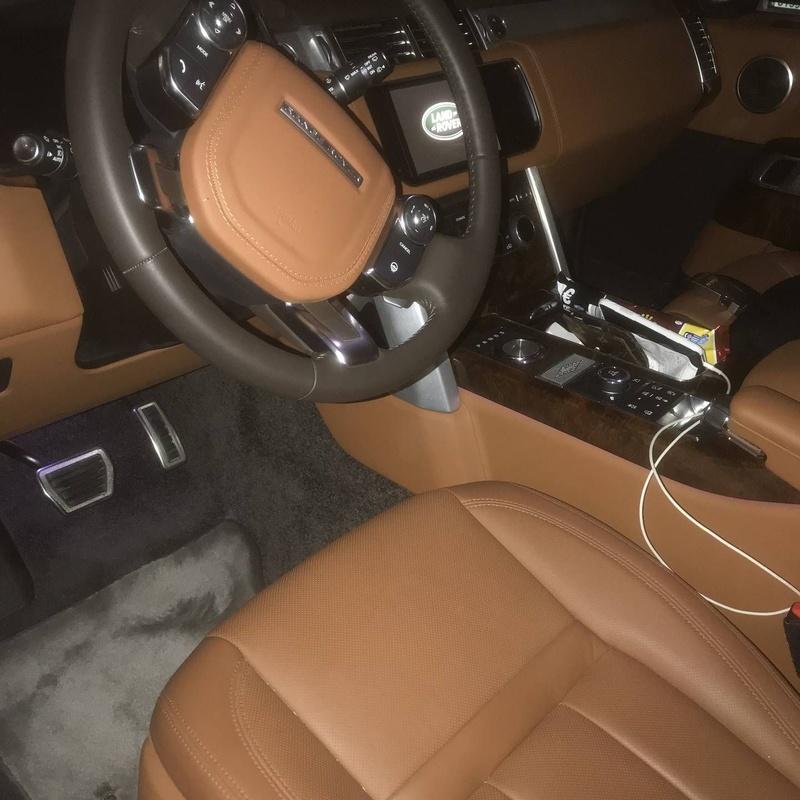 Range Rover Holland Holland: Servicios de Comercial Víctor