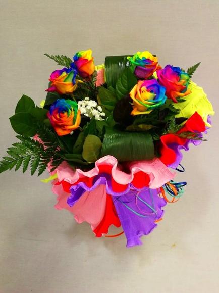 Ramo rosas arcoíris: Catálogo de Regalos de Floresdalia.com