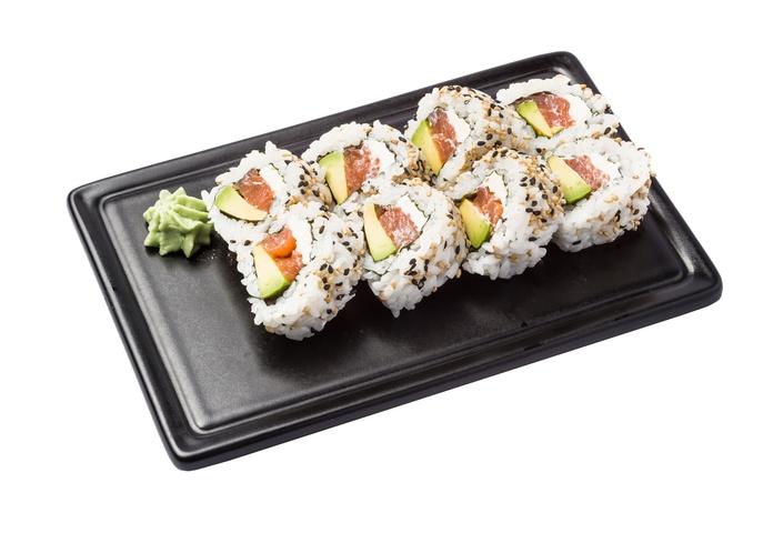 Uramaki salmón aguacate con queso cremoso  6,50€: Carta de Restaurante Sowu