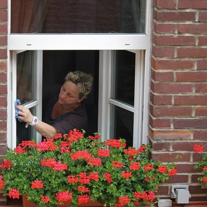 Cómo limpiar los marcos de las ventanas