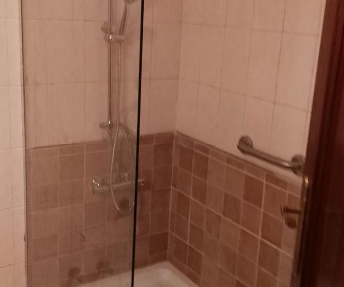 Reformas de baños: Inmobiliaria y Reformas de InmoHappy Santander