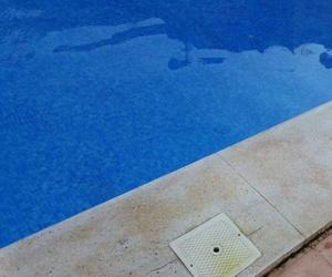 Limpieza de corona de piscina