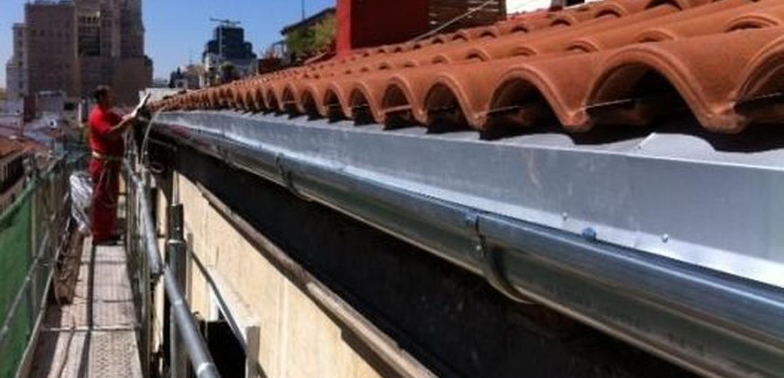 Instalación de canalones en Coslada