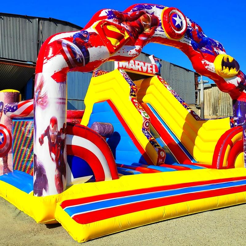 Tobogan Lateral SuperHeroes : Catálogo de Hinchables Happy Jump
