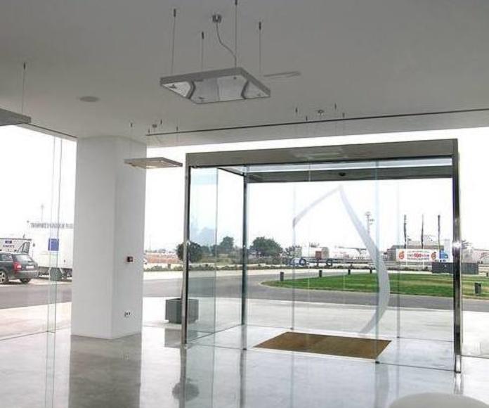 Cortinas de cristal: Servicios de Aluminios Mediterráneo