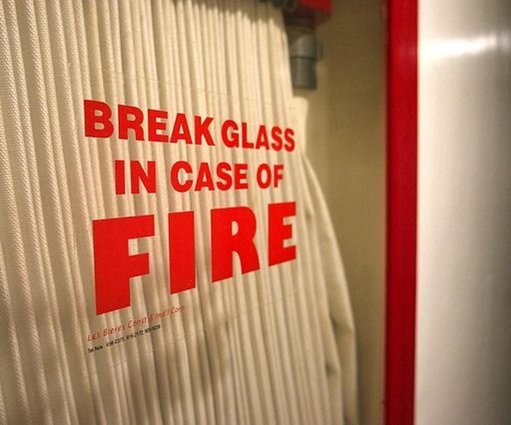 Señalización de seguridad y emergencia frente al fuego
