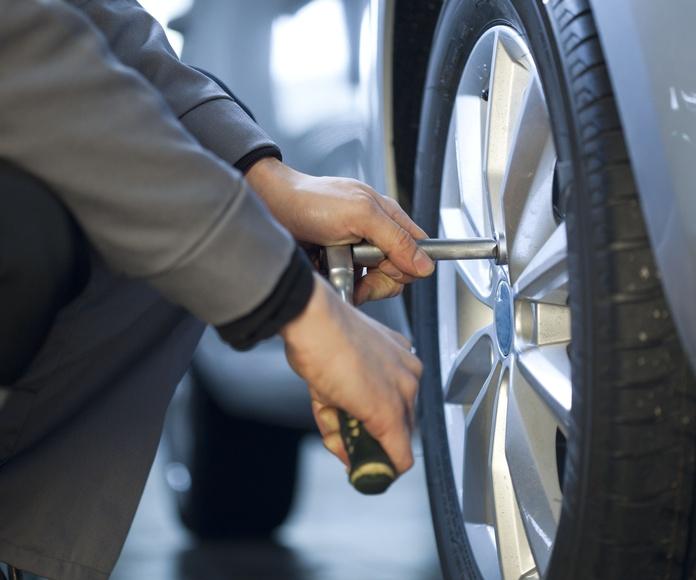 Neumáticos: Servicios de Tallers Fermi Valls