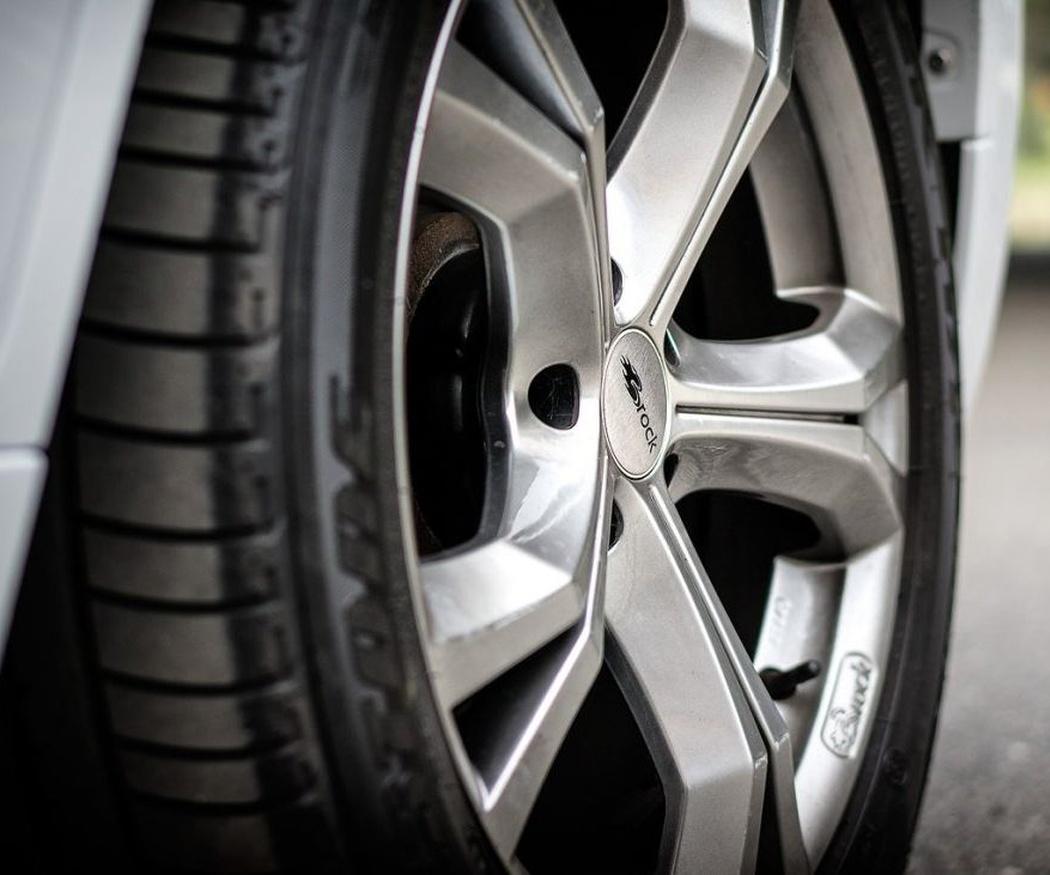 Presión, equilibrado y alineación de las ruedas