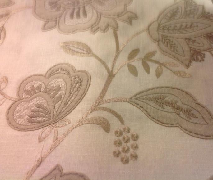 Tela bordada Crochet : Catálogo de Ste Odile Decoración