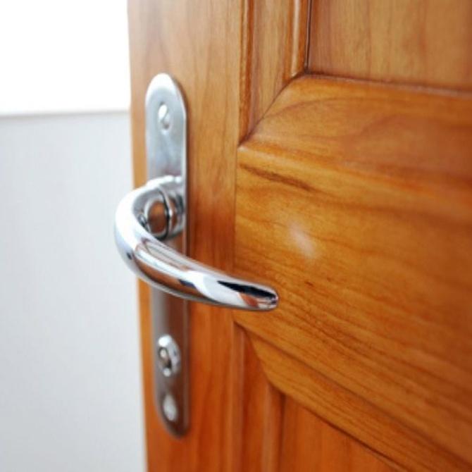 Trucos para cuidar las puertas de madera