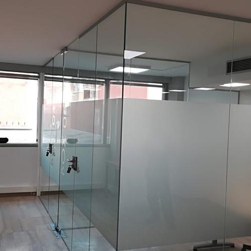 Cerramientos interiores y exteriores de cristal en Sabadell