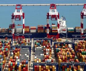 Transporte de contenedores en el Puerto de Barcelona | Grupo Tramal
