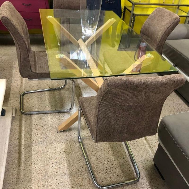 Mesa cristal y 4 sillas: Productos de Remar Castellón