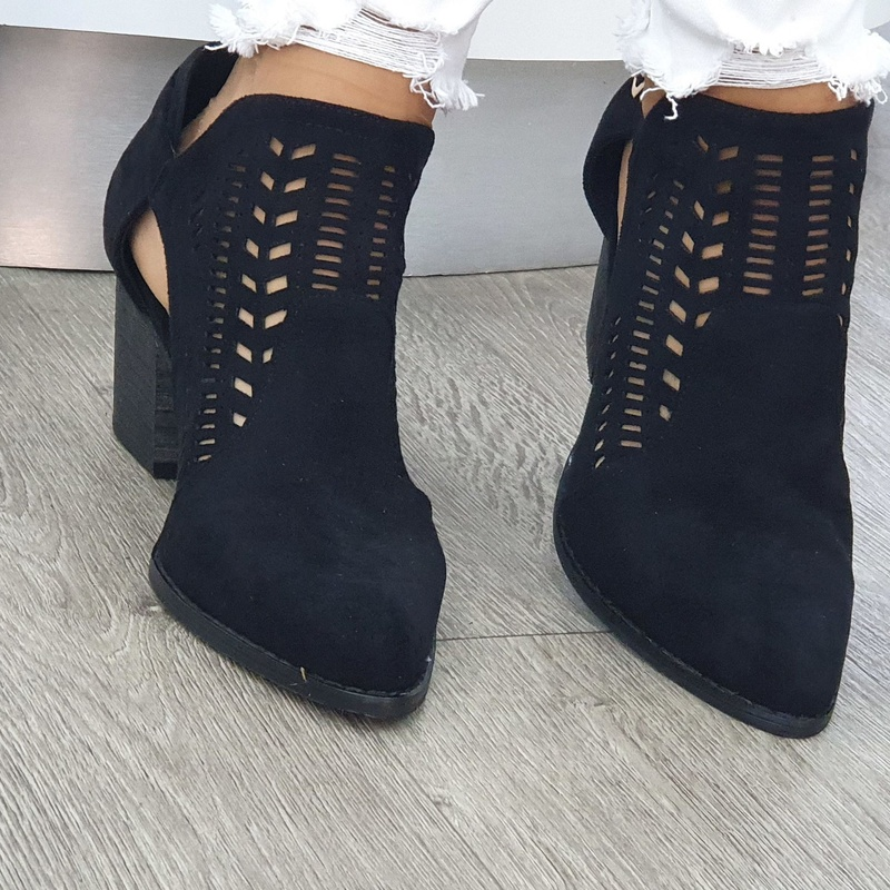 Botín calado moda : Zapatería de Calzados Sandaly