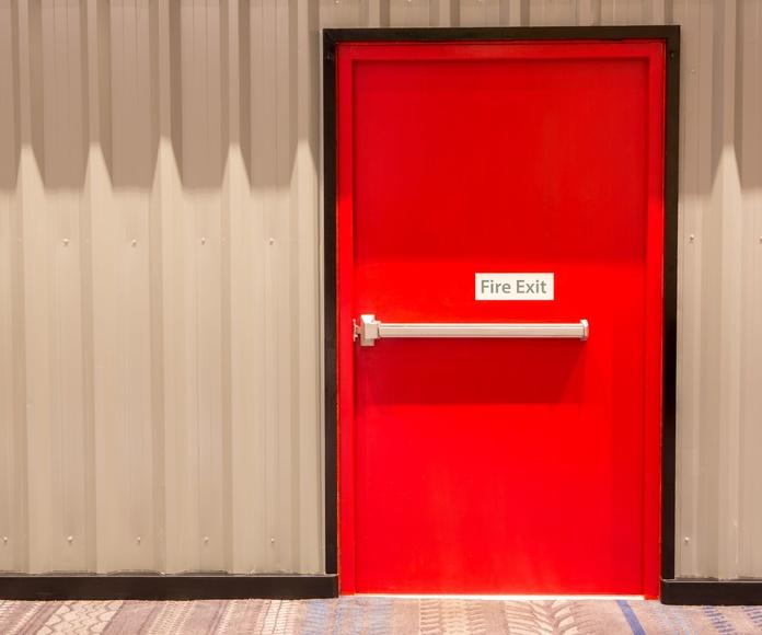 Mantenimiento de puertas cortafuegos: Servicios de Construcciones Metálicas Metalvil