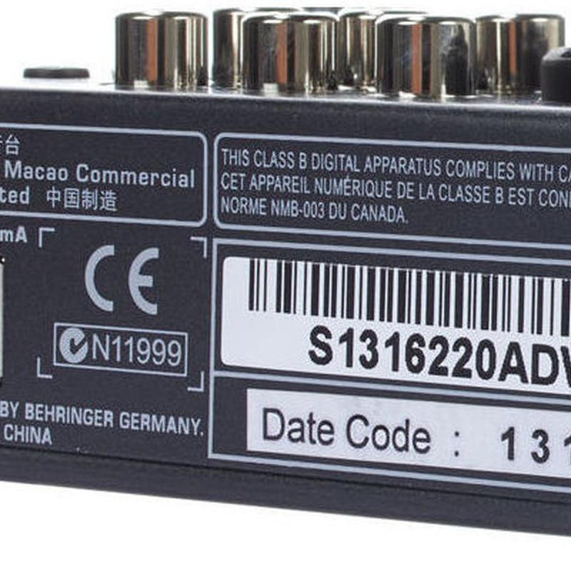 Mezclador compacto de 5 canales y usb Behringer Xenyx 302usb