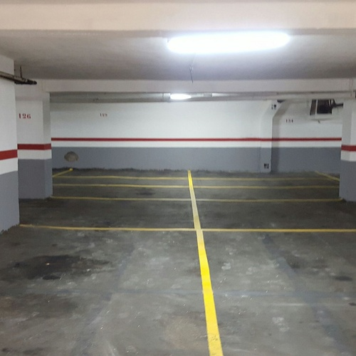 Parking Corcega 54-56
