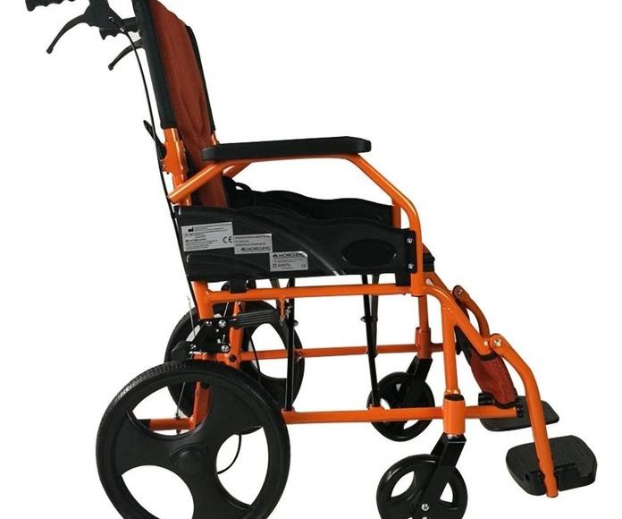 Silla de Ruedas Pirámide: Productos y servicios de Ortopedia Delgado, S. L.