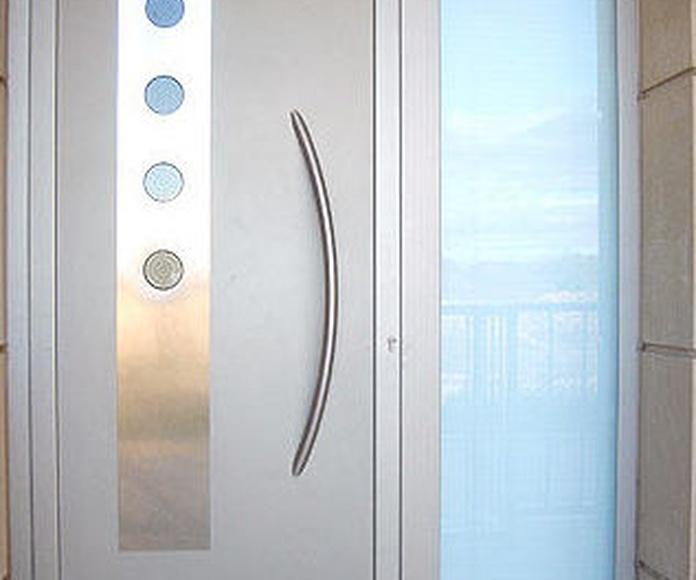 Puertas: PRODUCTOS de Carpintería Metálica Granada, S.L.