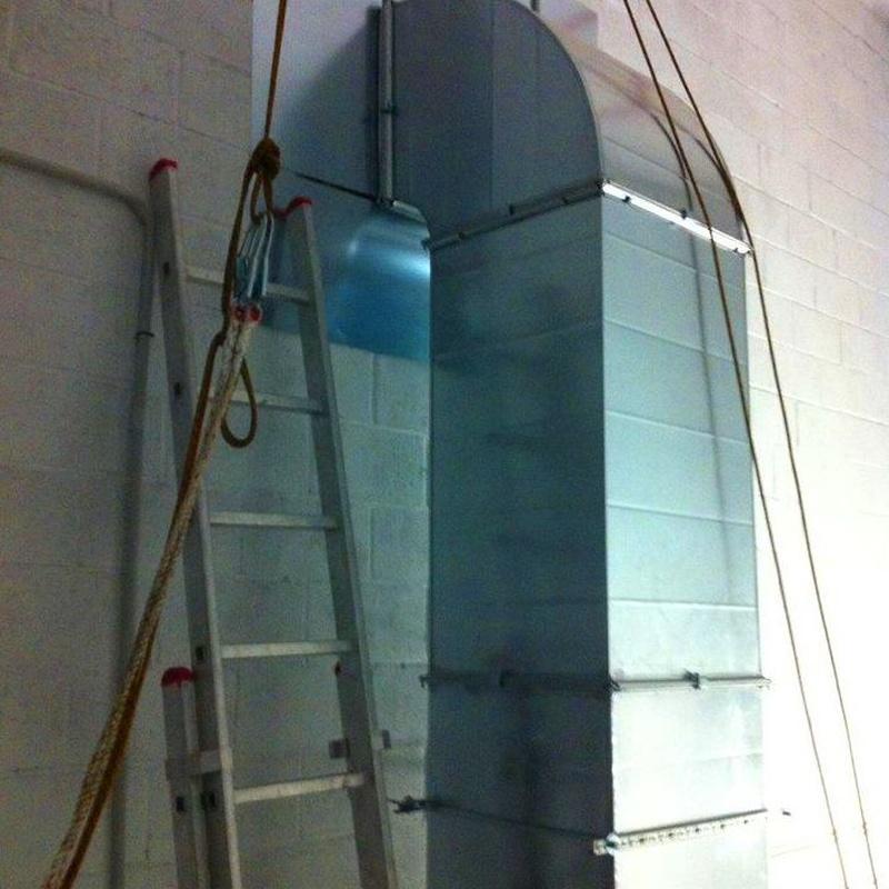 Tubo de extraccion de 450 mm: Trabajos realizados de REFORMAS, INSTALACIONES Y CONSTRUCCION ARAGON
