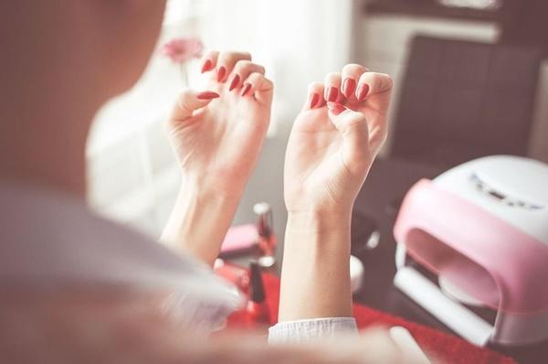 Manicura y pedicura: Nuestros servicios de Peluquería A+B