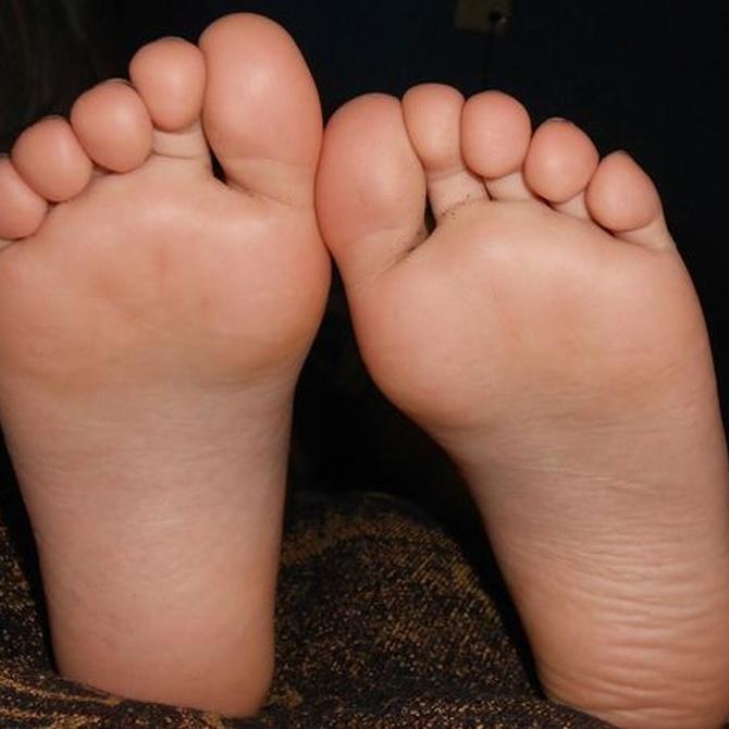 ¿Cómo evitar la aparición de hongos en los pies?