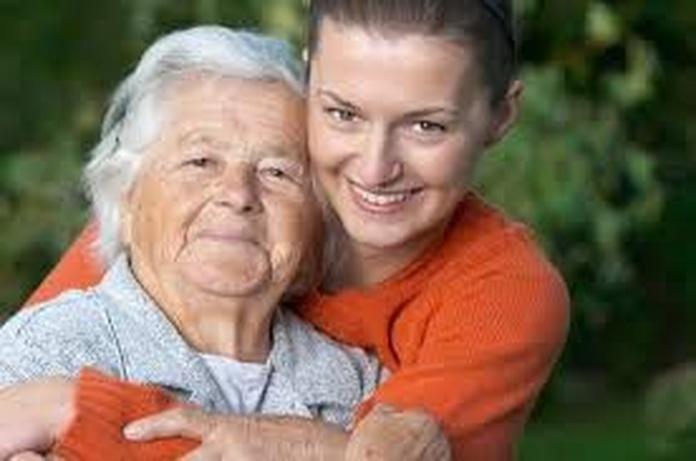 Ayuda a domicilio a personas mayores y niños