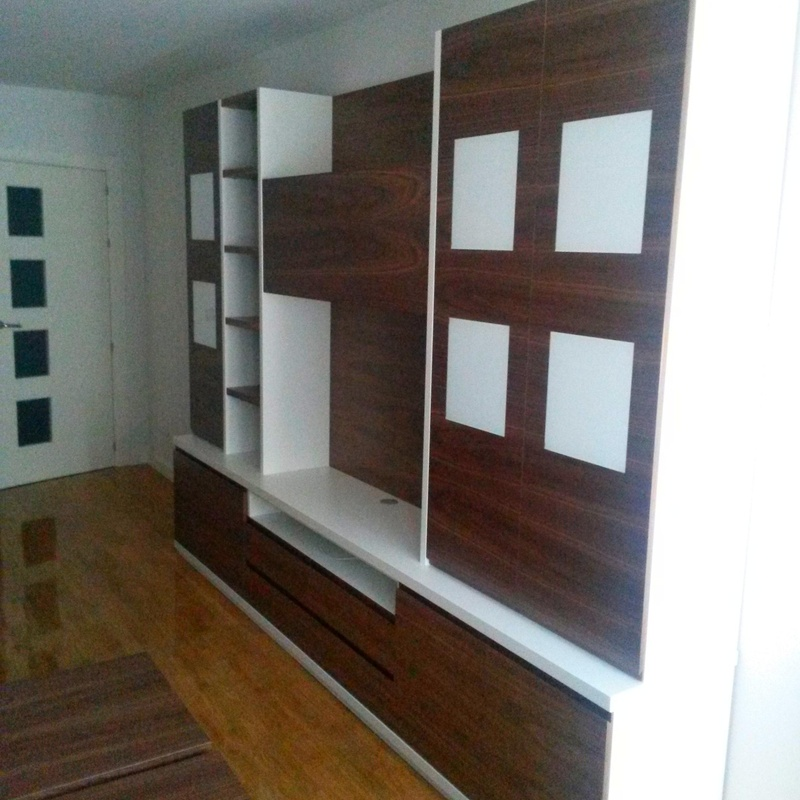 Mueble de salon en Nogal y Lacado Blanco