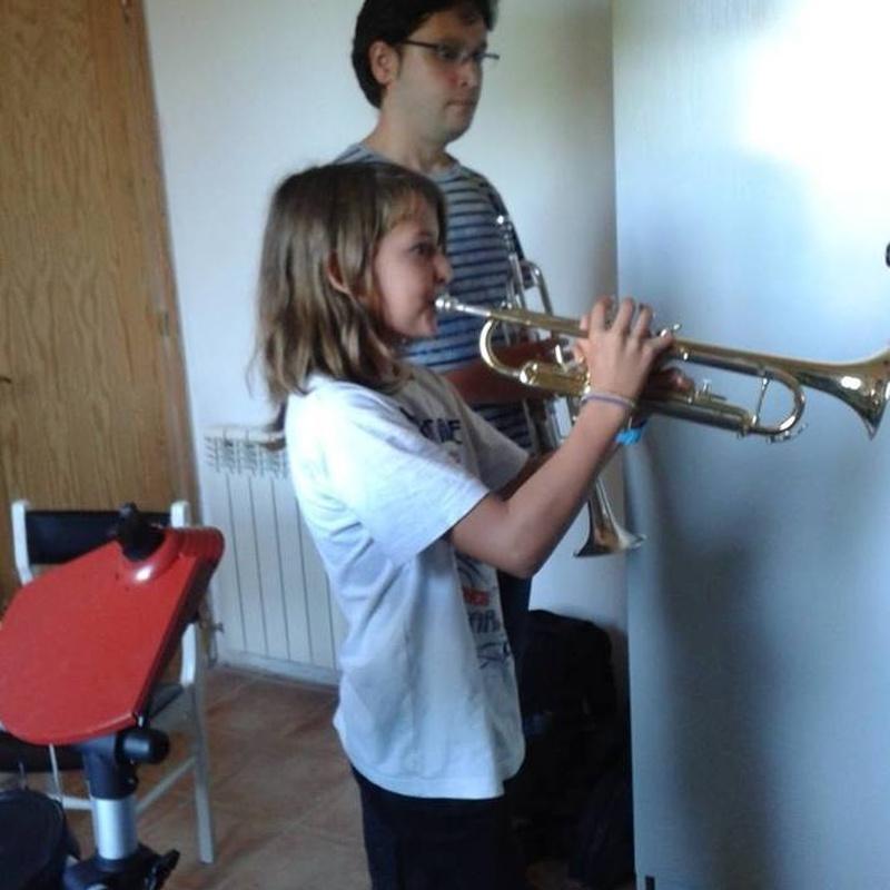 Iniciación Musical para jovenes y adultos: Escuela de música i Expresión  de  Can Canturri