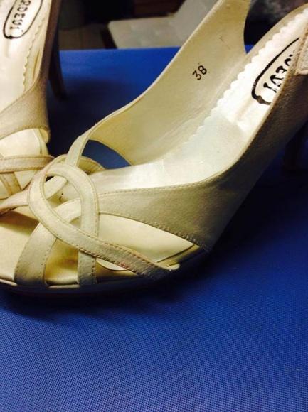 Limpieza de Zapatos de Novia o Fiesta: Servicios  de Tintorería Anubis