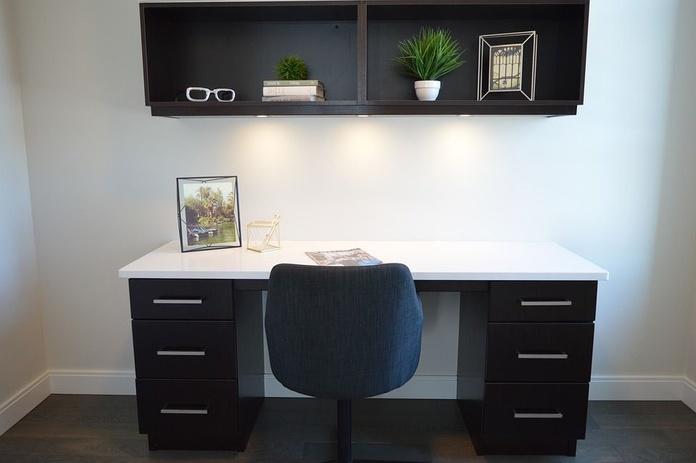 Entrega y montaje: Servicios y Productos de Muebles APARICIO. Almedinilla.