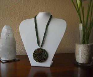 Ágatas verdes con colgante de jade