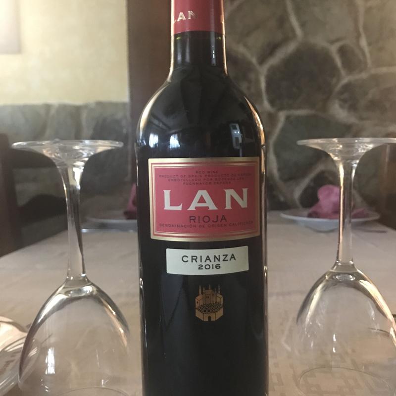 Botella Rioja tinto Crianza Lan: Menús de Restaurante Terraza La Parrilla de Valdemoro