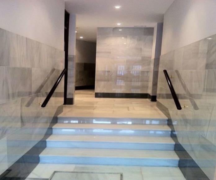 Escaleras en mármol pulido: Servicios de Mármoles Gaivi