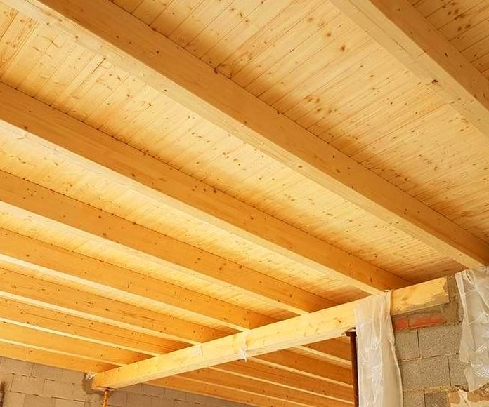 Montaje techo casa de campo.