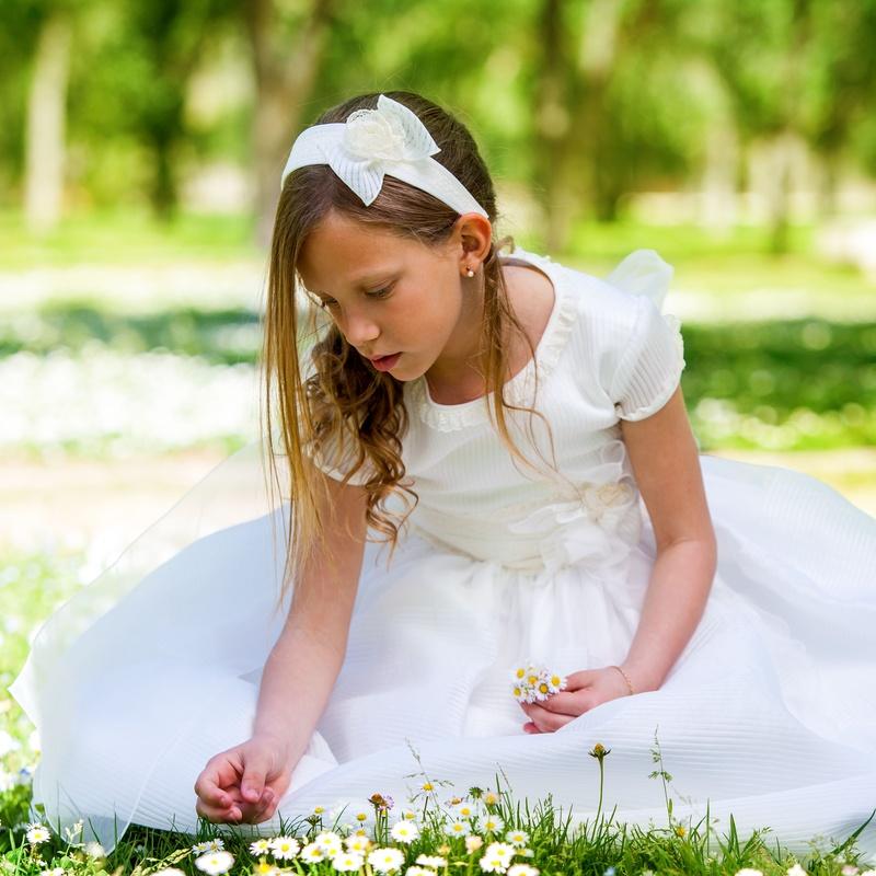 Limpieza de trajes de novia, comunión y cristianar: Prestaciones de Tintorería Urquiza