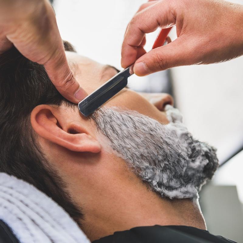 Afeitado completo: Catálogo de Barbería Peluquería Iván Huertas