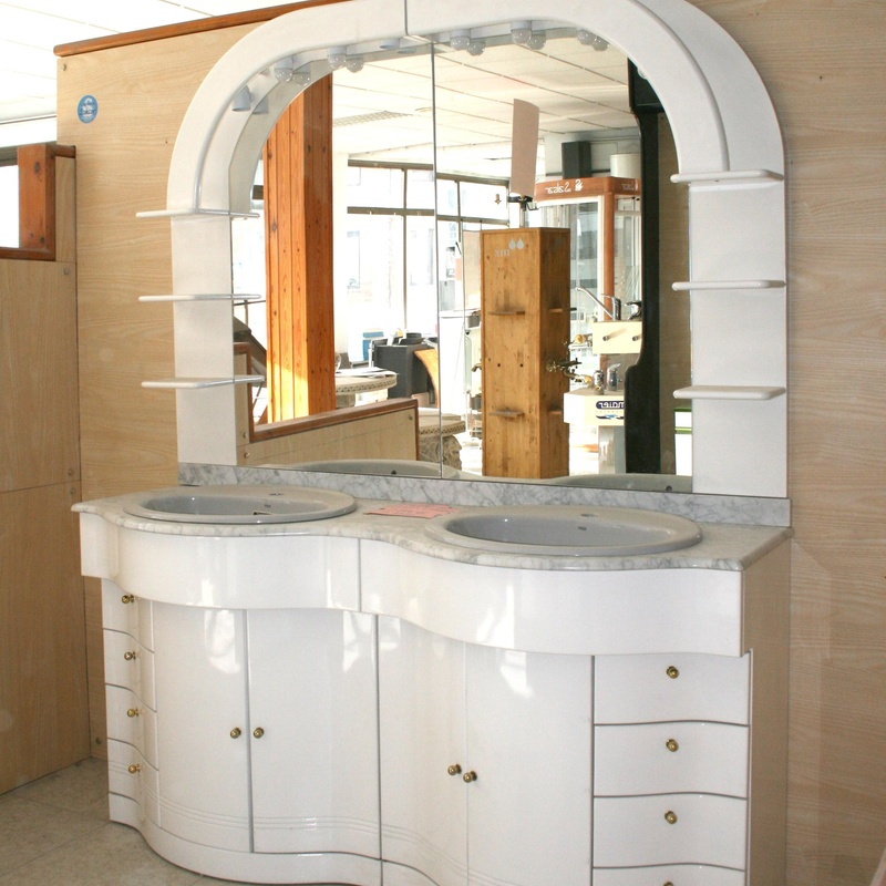Mueble Clásico Lacado Blanco