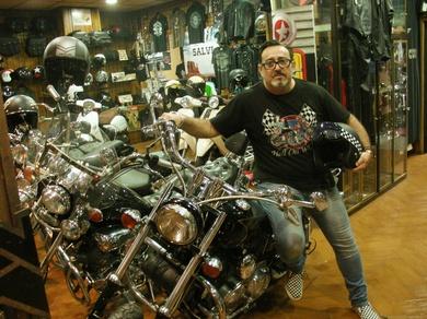 Especialistas en reparación, ropa y recambios de motos Custom, Harley, Triumph y Vintage clásicas