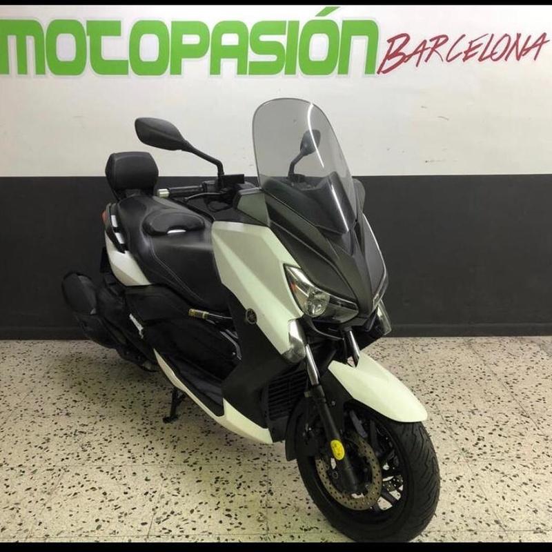 YAMAHA XMAX 400 ABS:  de Motopasión Barcelona