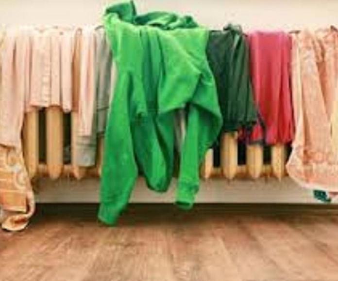Secar la ropa en el radiador produce mucha humedad en el ambiente.