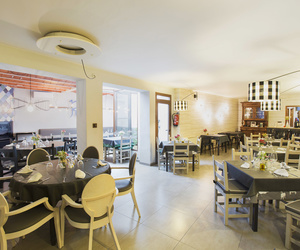 Moderno salón del Restaurante Casa Rufino, Huesca