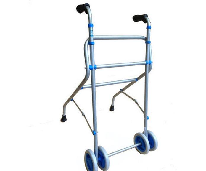 Andador de aluminio: Productos y servicios de Ortopedia Delgado, S. L.